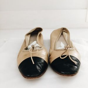VINTAGE CHANEL TAN AND BLACK BALLET FLATS